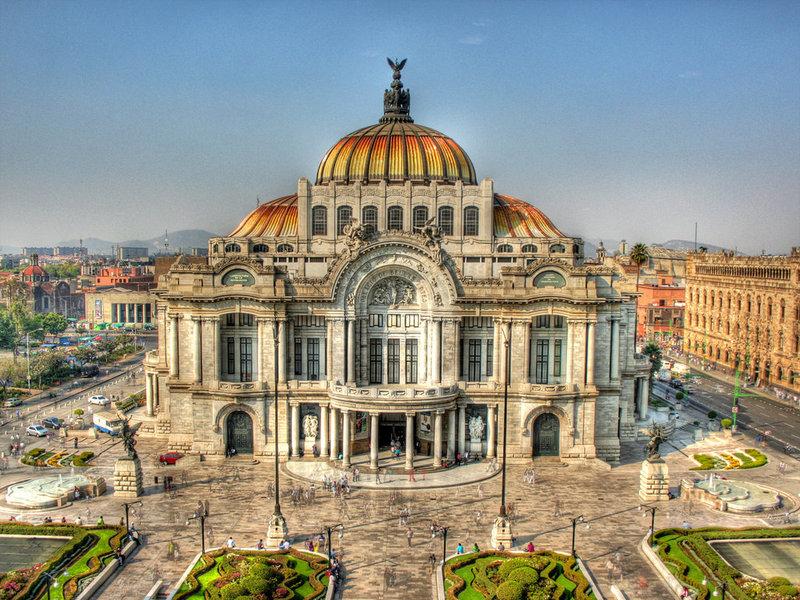The Palacio de Bella Artes
